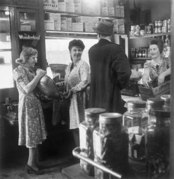 Grocer's Shop in Silvertown 1944, just visible in top right corner jars of Dundee Marmalade. ©IWM