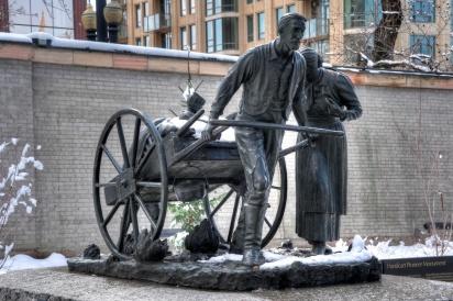 Mormon Handcart Pioneer monument